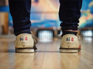 Bowlingbana med skor